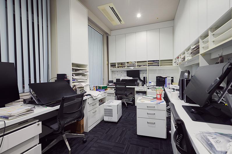 The assistants' workspace in Studio Gaga.