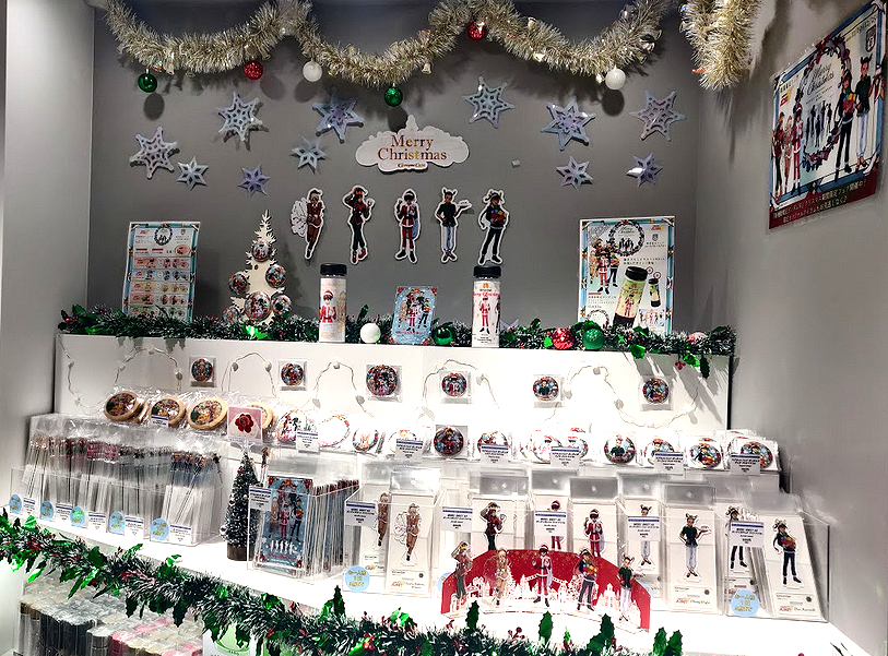 Gundam Wing Christmas at Gundam Cafe Akihabara